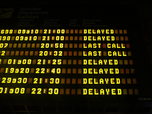 how to deal with delays when travelling with kids