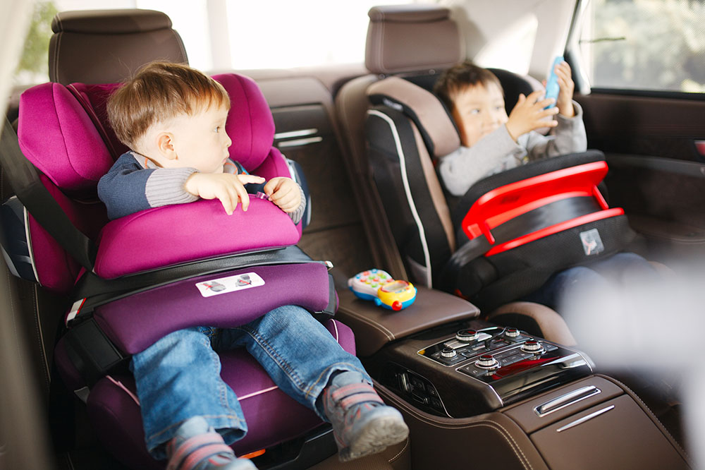 kids in child car seats