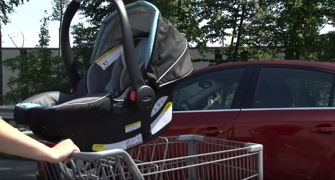 Car seat in shopping cart